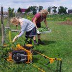 Mulchsammler vereinigt Euch! Rasenmäherführerschein im bauerngarten Mette